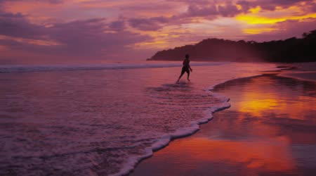 depositphotos_65776219-boy-running-on-the-beach