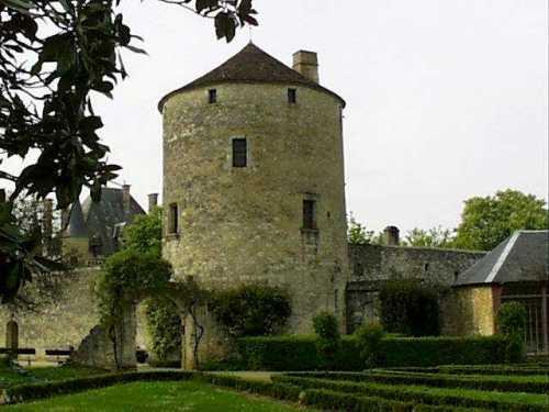 montaigne_tower1
